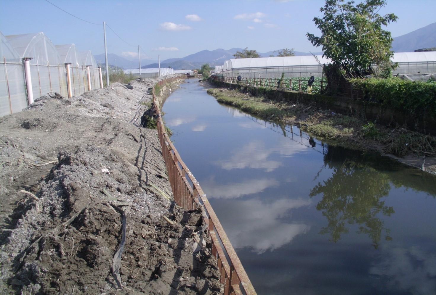 Rimozione fanghi dragati dal Rio Sguazzatorio nei territori di Angri e San Marzano sul Sarno